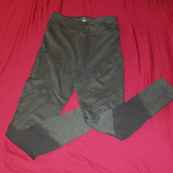 SO Pants - Gray yoga leggings w sheer area on calf